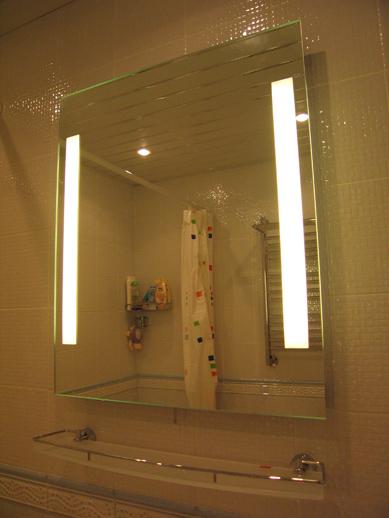Подсветка зеркала в ванной фото
