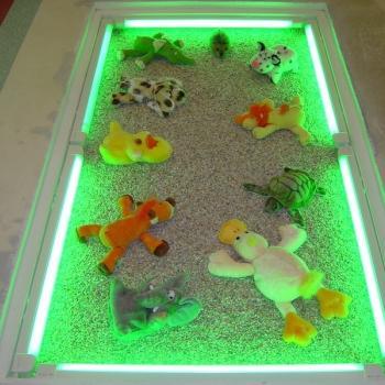 Стеклянный пол с подсветкой в детской