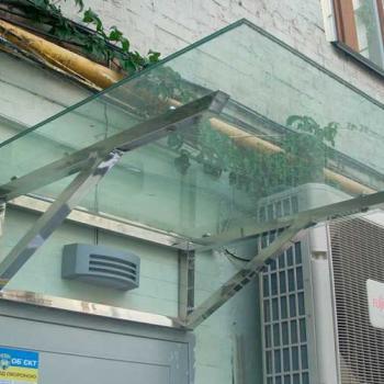 прямой козырек из стекла