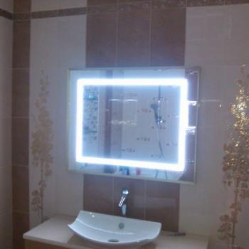 зеркало с круговой подсветкой