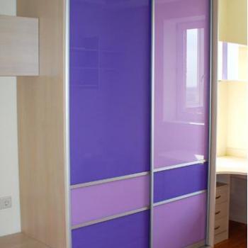 Шкаф-купе двери из цветного стекла