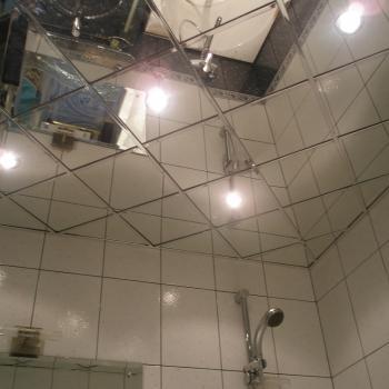 зеркальная плитка с подсветкой