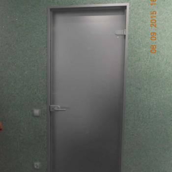 Матовая стеклянная дверь в сауну