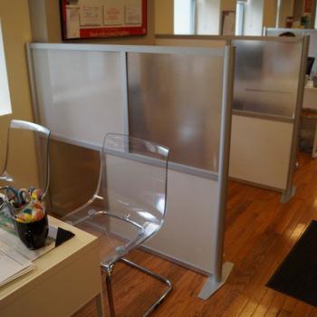 Мобильные офисные перегородки из стекла и пластика