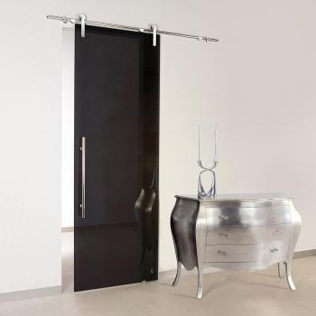 Откатная дверь из чёрного стекла