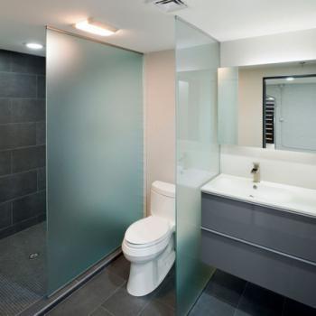 Отделяющие стеклянные перегородки для туалета