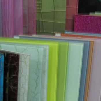 Цветные стеклянные панели