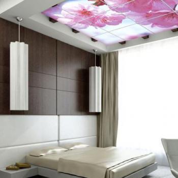 """Стеклянный потолок с фотопечатью """"цветы"""""""