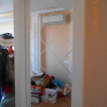 зеркало в коридоре с гравировкой