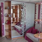 Шкаф-купе зеркальные двери с гравировкой