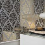 зеркало с пескоструйным рисунком в ванной