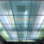 Стеклянный потолок с витражом